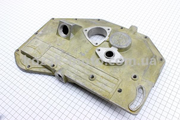 (Китай)  Крышка блока двигателя правая (со стороны заводного рычага), длинная, 12отв., алюминиевая R180NM